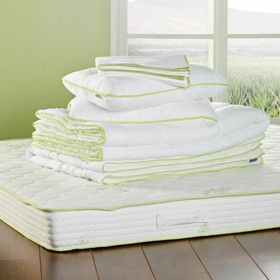 Детские матрасы, подушки и постельное белье